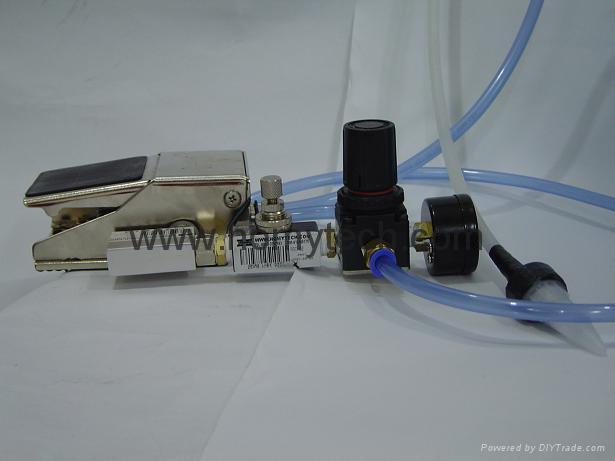 大胶量气动点胶机(灌胶机) 3