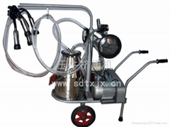 中國擠奶機鍘草機TMR飼料攪拌車羊擠奶機供應商玉牛
