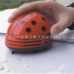 礼品-桌面吸尘器