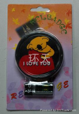 LOVE(冷光胸章) 2