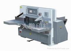 QZYK1150DW-8  程控(变频器)切纸机