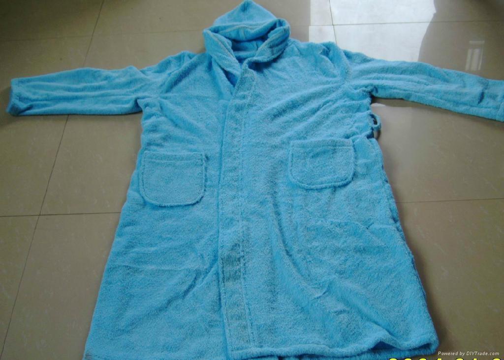 生产全棉素色浴袍 1