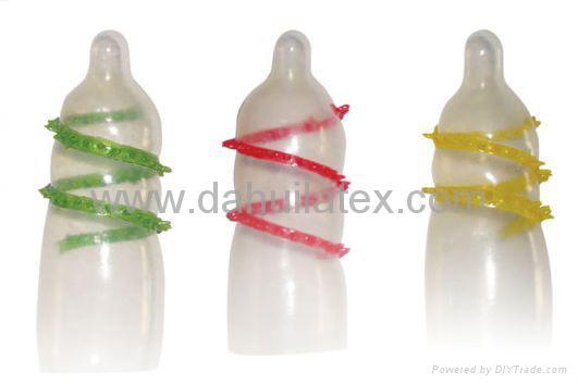 www OEMcondom com spike condom with thorn spikes 1