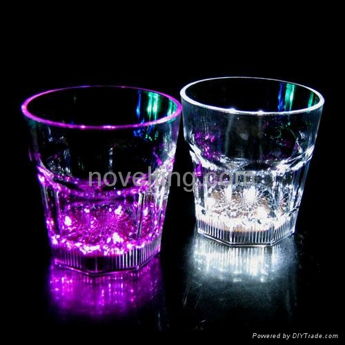 Flashing Cups 1