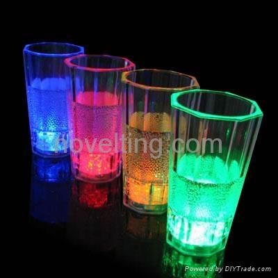 Flashing Cups 4