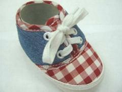 Infant Shoe (B00017)
