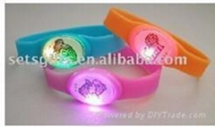LED silicon bracelets/wristbands