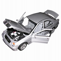1 : 18 Scale Die Cast Car