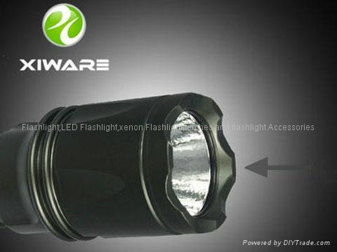 Xiware L20 240 LM CREE Q5 LED Flashlight Torch 4