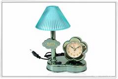 desk-lamp clock
