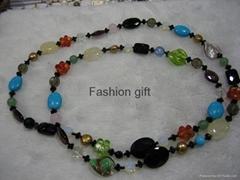 vogue necklace