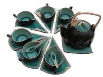 Black and green tea set