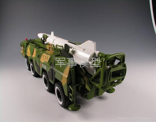 東風11導彈車模型 4