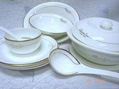 60頭皇家瓷餐具