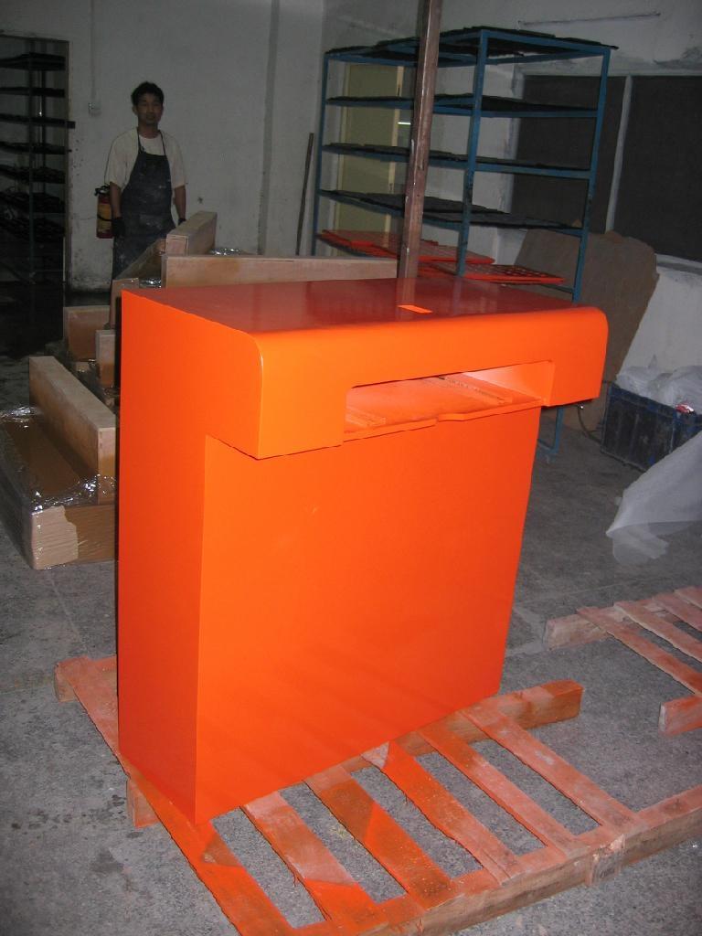 专业从事木制品展示柜烤漆喷油:木制品展示柜烤漆,门展板高光亚光烤漆
