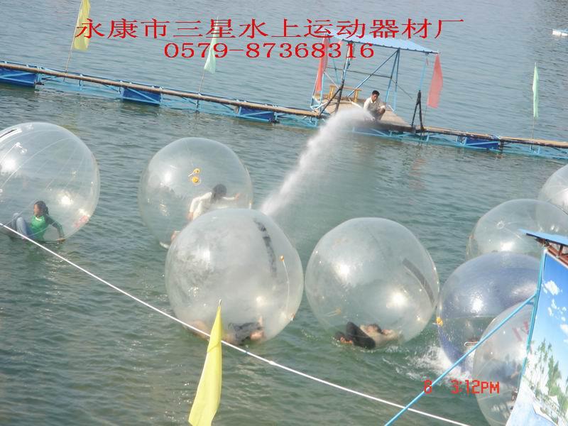 """能让你感觉在""""死海""""般飘荡的""""水行步行球"""",你想拥有吗?? 1"""