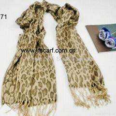 日版 經典豹紋提花圍巾
