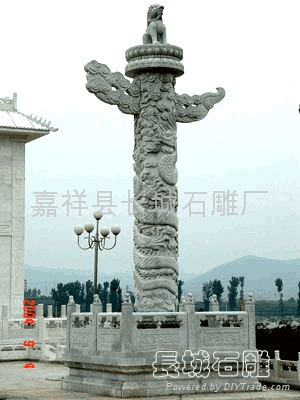 石雕龙柱1 3