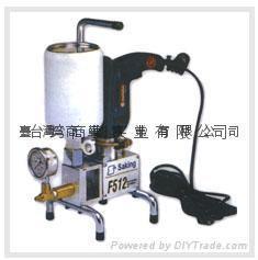 High pressure pouring machine