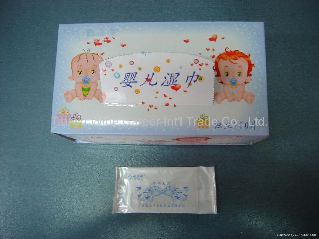 antibacterial wet wipe 1
