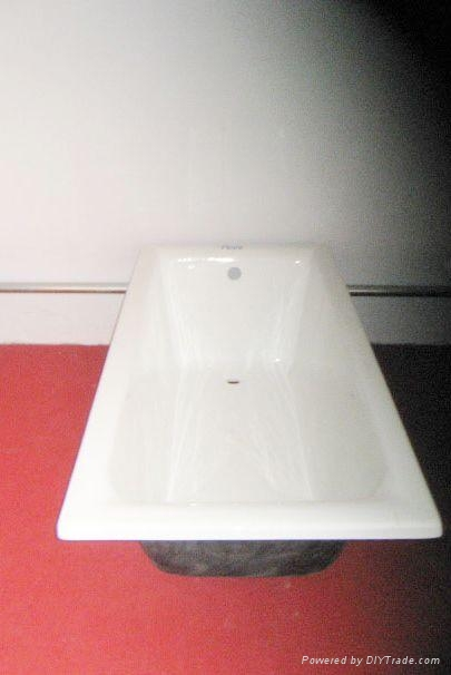 cast-iron bathtub 2