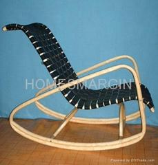 弯曲实木摇椅