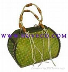 Bamboo handbags of Huveco