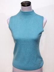 Women's turtle-neck vest