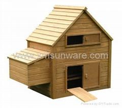 Chicken house w/ egg case