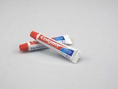 高露洁一次性旅游牙膏