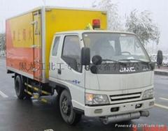 国三2吨解放民爆车