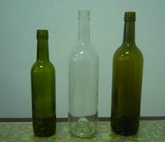 screw head glass wine bottle