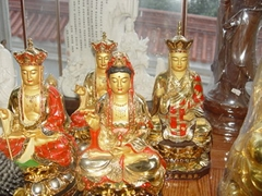 come have vist here,you have supprise,buddha statue