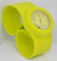 fashional silicone  slap watch