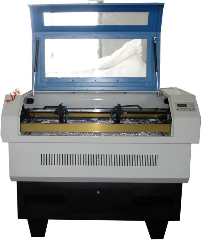 激光彫刻切割機 1