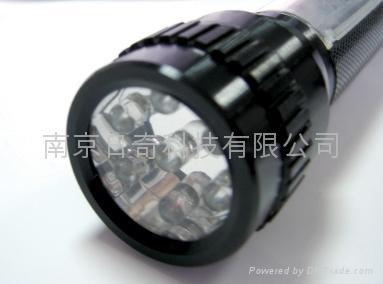 鋁合金太陽能手電筒 2