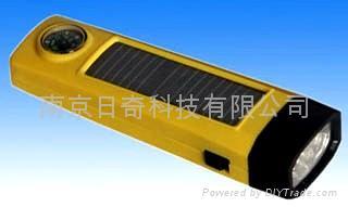 便攜雙充太陽能手電筒 1