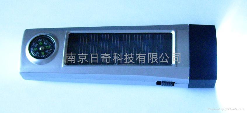 便攜雙充太陽能手電筒 3