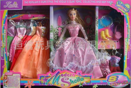 实身芭比娃娃配7套衣服EW80183