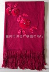 仿羊绒平针手工绣花围巾披肩