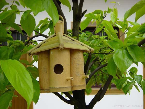 cerca artesanal para jardimBamboo Bird House