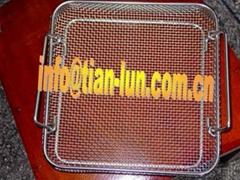 Endoscopic wire baskets