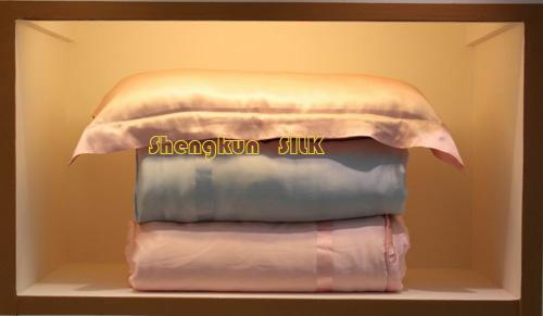 Silk Bedsheet ,Silk pillow and pillowcase