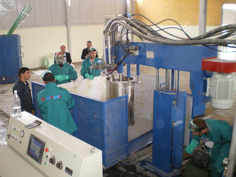 Vertical Sponge Cutting Machine China Manufacturer