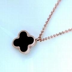 Clover Rose gold necklace