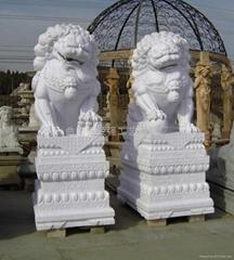 汉白玉石狮子雕塑