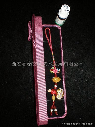 金箔琉璃薰香瓶挂飾禮品(D 款) 1