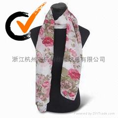 时尚印花围巾