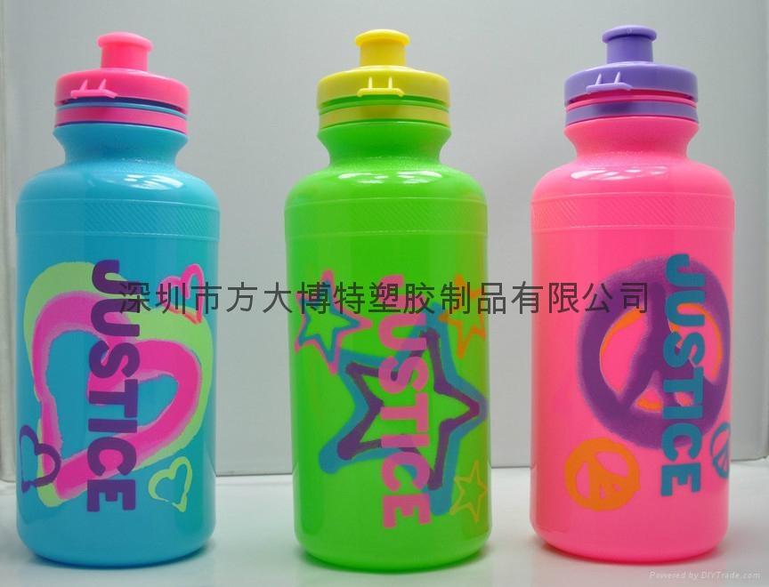 塑料水壺 4