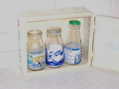 玻璃牛奶瓶 3